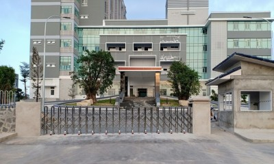 Cổng xếp inox 304 nhập khẩu-  Bệnh Viện Đa Khoa Phương Chi